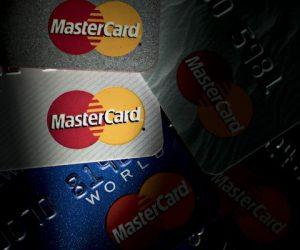 Россияне начинают активнее платить в интернете электронными деньгами