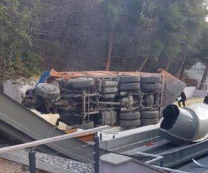 Многотонный самосвал без тормозов рухнул с высоты на аквапарк отеля «Ялта-Интурист»