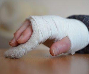 В Ялте будут судить медсестру больницы за сломанную руку ребенка