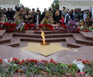 В День Победы около 3000 человек приняли участие в праздничных торжествах на Холме Славы в Ялте