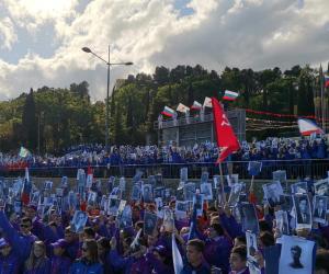 Шествие «Бессмертного полка» собрало в «Артеке» 3200 детей из 58 стран мира
