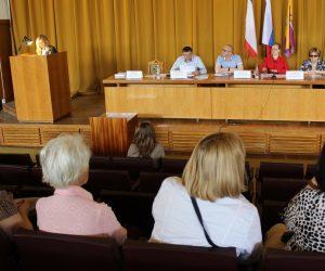 В Ялте состоялись публичные слушания по обсуждению по отчёту об исполнении бюджета муниципального образования за 2018 год
