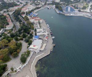 Сбербанк бросил Крым. Экспертное мнение о чужих и своих госкомпаниях
