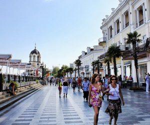 Туристический поток в Ялту вырос на 12 %