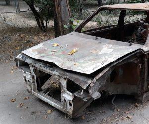 Иван Имгрунт поручил до Нового года убрать брошенные автомобили с улиц Ялты