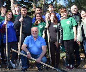 Студенты из Краснодарского края озеленяют Ялту