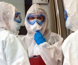 В Крым для борьбы с коронавирусом направят 70 медработников с материка