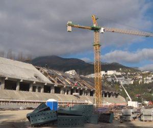 На реконструируемом стадионе «Авангард» увеличат количество рабочих и строительной техники