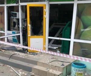 В Коктебеле неизвестные разгромили банкомат и похитили деньги