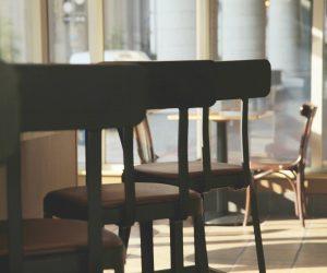В Ялте мужчина лишился дорогого имущества после посиделок в баре