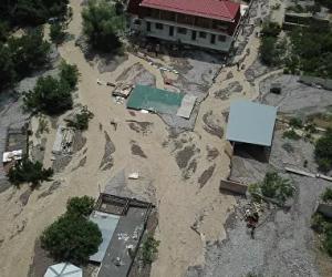 Штормовое в Крыму: власти Ялты приготовились к новому потопу