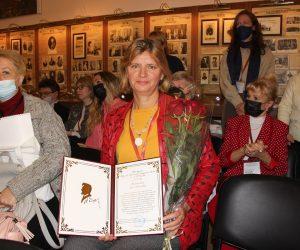 Константин Шимановский вручил премию Ялтинского городского совета им. А.П. Чехова за 2020 год