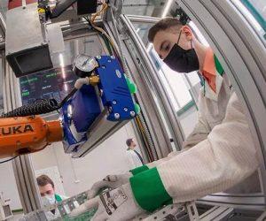 Правительство РФ заметило нехватку кадров и переманивание специалистов в сфере микроэлектроники — это может сорвать крупные проекты